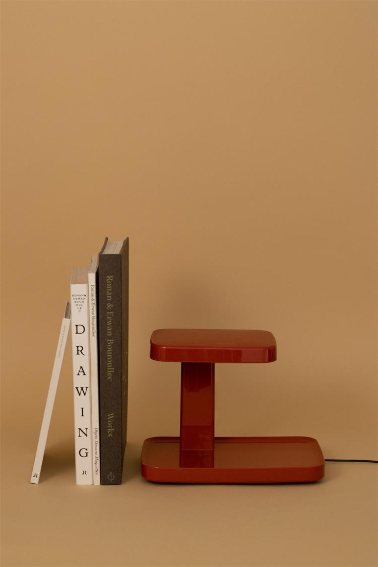 ブルレック兄弟の作品集とデスクランプ