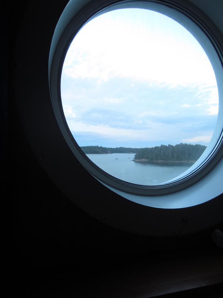 飛行機の窓から見える風景
