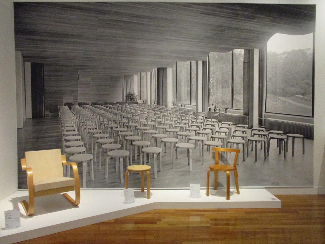 ヴィーブリ図書室の椅子「スツール60」