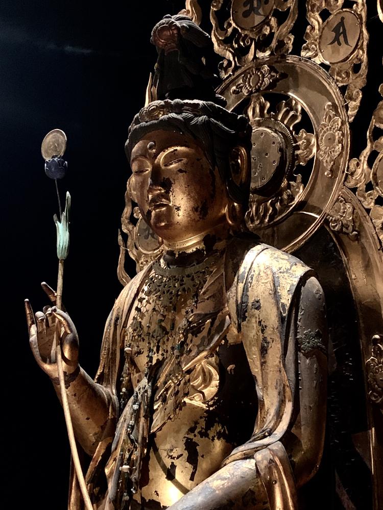 月光菩薩立像