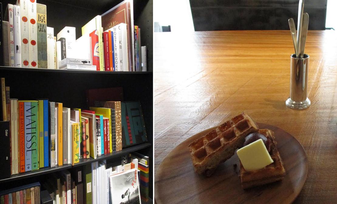 本棚とワッフル