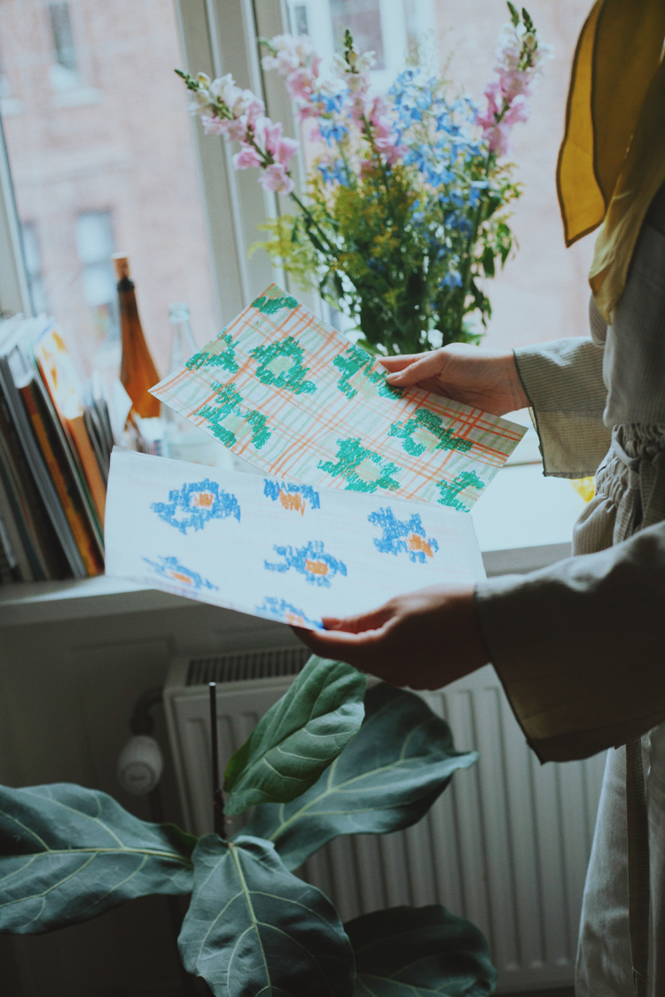 テキスタイルデザイナー・Emma Terweduwe(エマ・テルウェドウェ)さんの手元とスケッチ