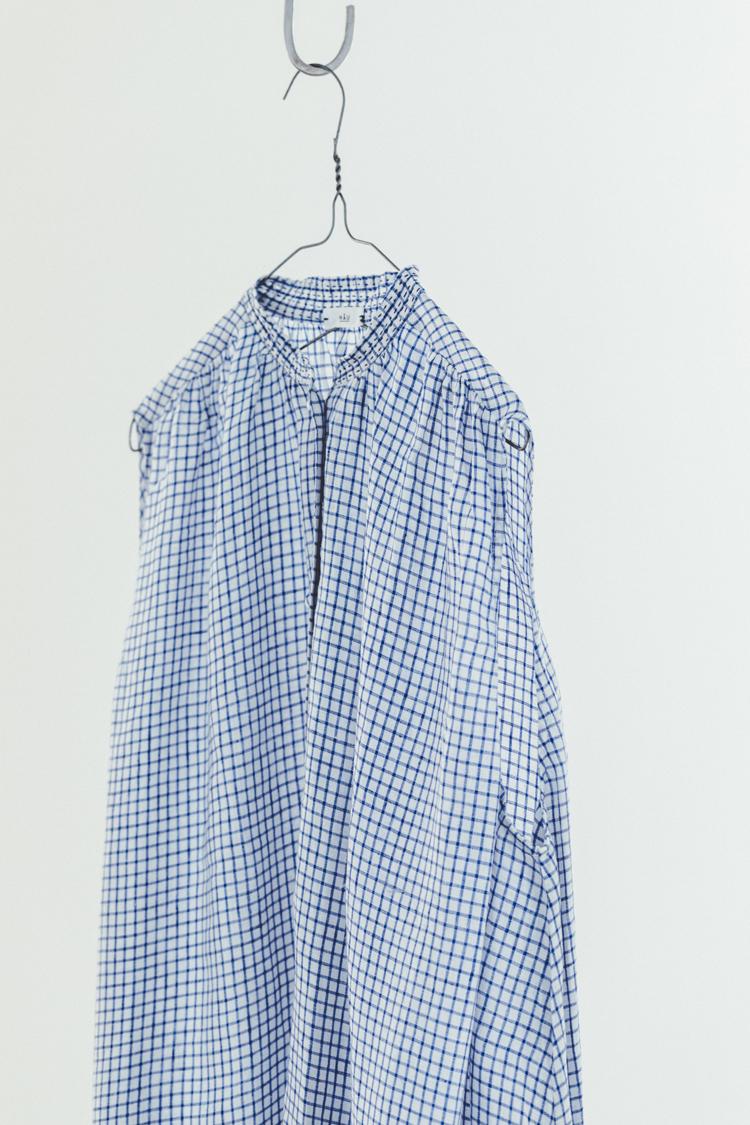 「CLASKA(クラスカ」発のアパレルブランド「HAU(ハウ)」の服)