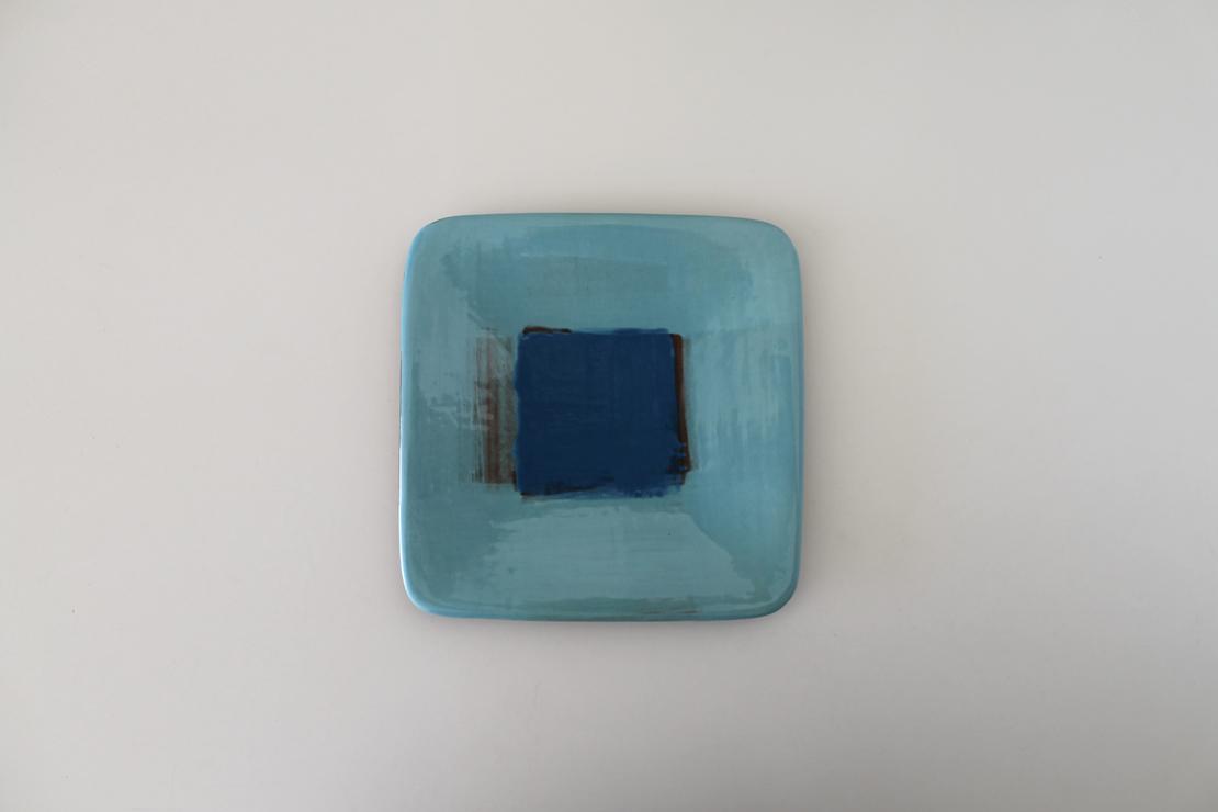 水色のお皿