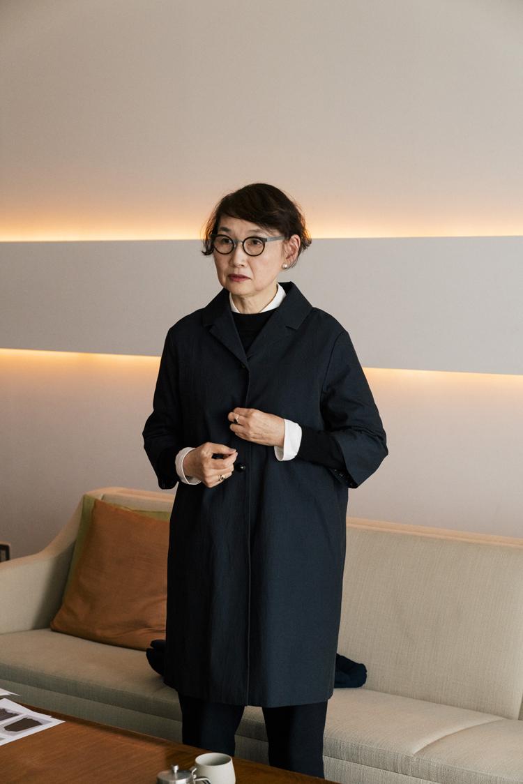 若山嘉代子さん姪御さんがデザイナーを務めているブランド「nooy(ヌーイ)」の定番「ショールコート」