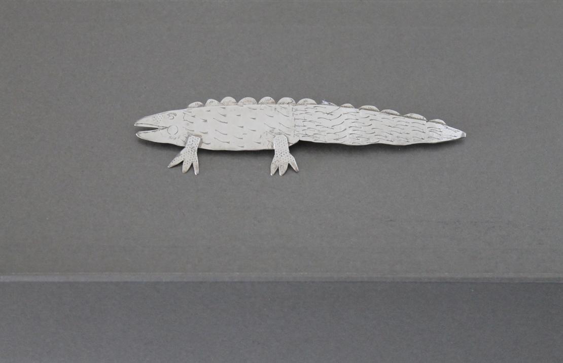 爬虫類のピン
