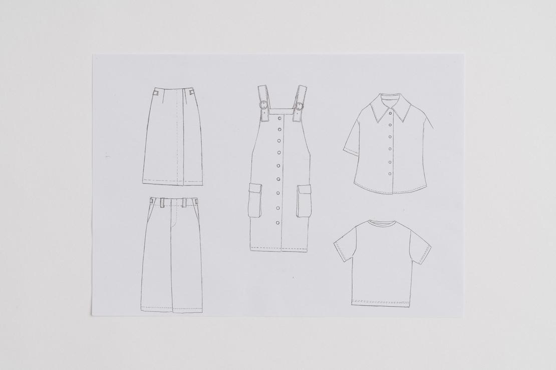服のスケッチ