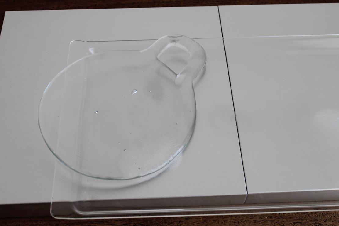 ガラスボード