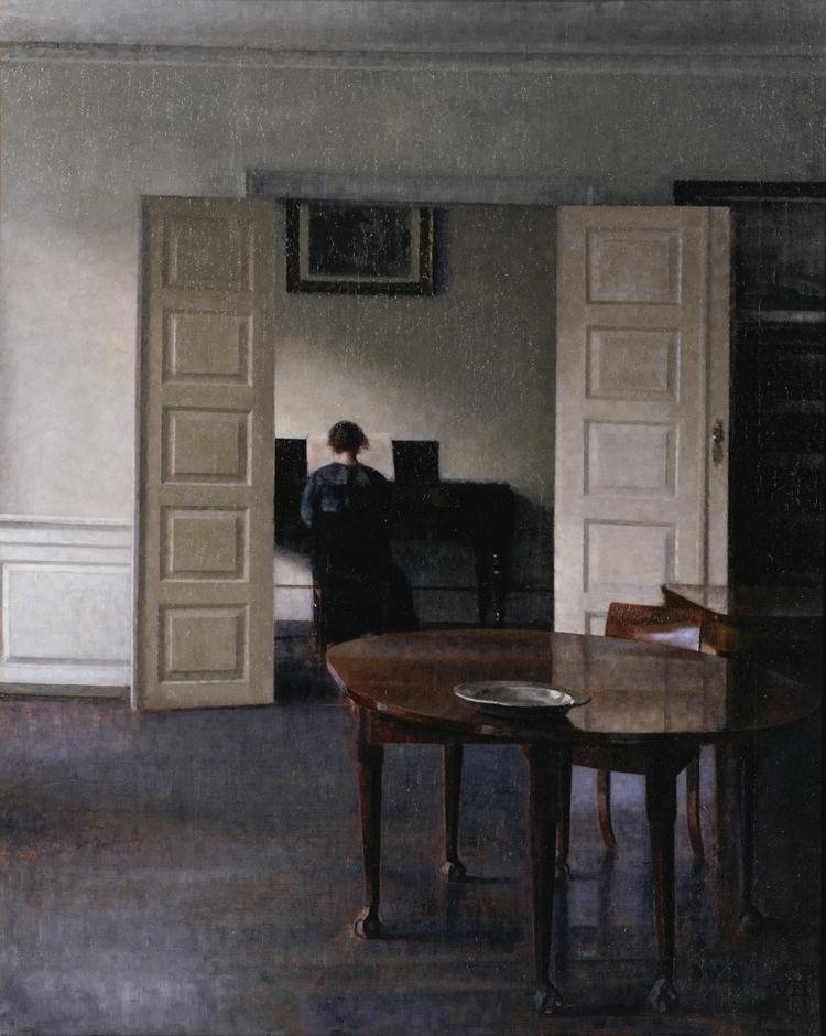 ヴィルヘルム・ハマスホイ 《ピアノを弾く妻イーダのいる室内》
