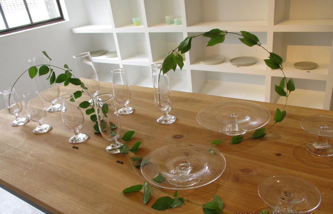 山野アンダーソン陽子さんのガラス器の展示