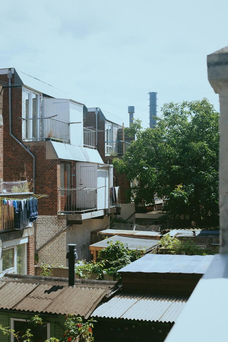 作曲家・吉田文さんが住むアパートからの眺め